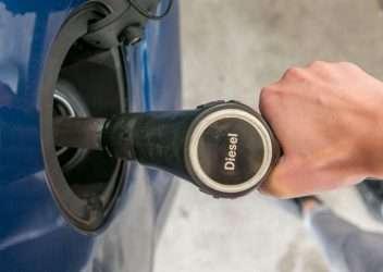 equivocarse al echar gasolina