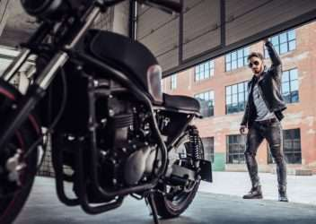 Guardar una moto en invierno